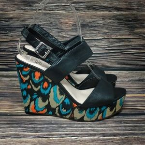 Vince Camuto Norma Boho Black w Feathers Wedges 6